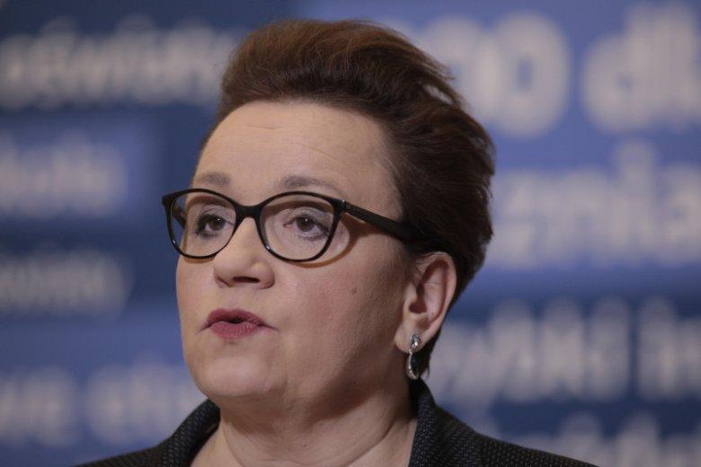 MEN odpowiada na druzgocący raport NIK ws. reformy w oświacie.