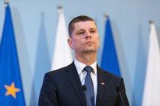 Szef MEN Dariusz Piontkowski ma uzyskać nowe uprawnienia w związku z epidemią.