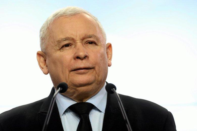 Prezes Jarosław Kaczyński już od miesiąca przebywa w szpitalu, co rodzi wiele plotek