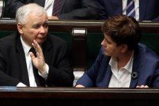 Prezes Jaroslaw Kaczynski i premier Beata Szydlo. Czy któreś z nich weźmie pod uwagę unijne rezolucje?