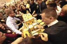 Książki o przygodach Harry'ego Pottera znalazły się wśród tych, które spalili polscy księża.