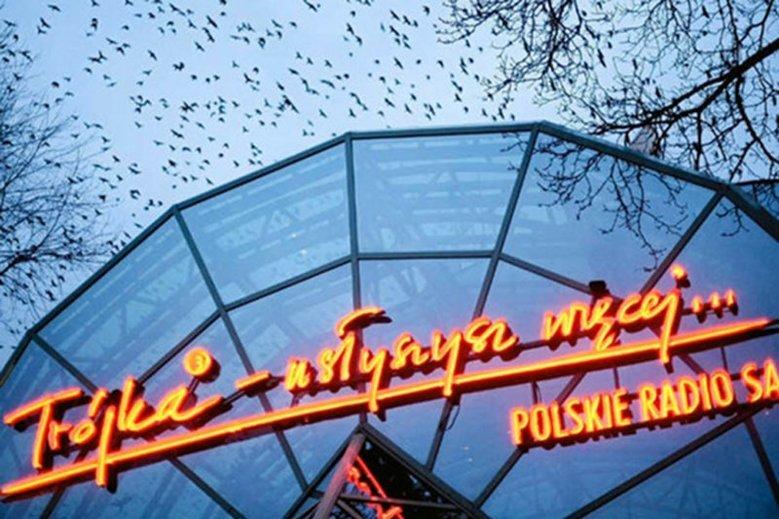 Dziennikarz Grupy TVN Patrycjusz Wyżga przechodzi do radiowej Trójki.