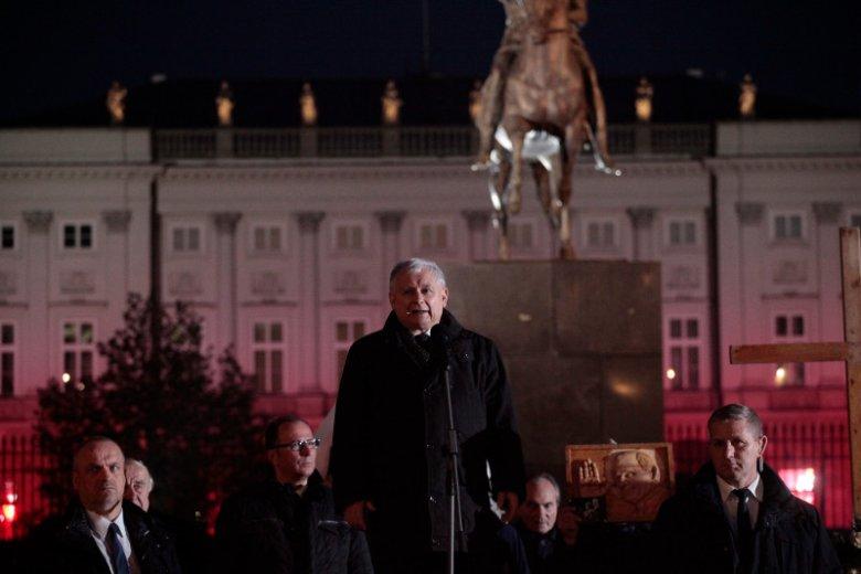 Jarosław Kaczyński ma niepodzielnąwładzę w Polsce.