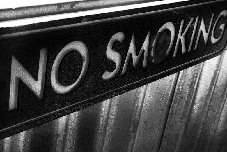 Zakaz palenia jest teraz powszechny. Co nie znaczy, że ludzie się zniechęcają do tytoniu