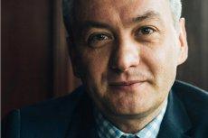 """Ten odcinek """"Azja Express"""" musiał skomentować nawet Robert Biedroń. Nie wytrzymał poziomu żenady gwiazd TVN."""