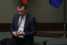 Minister Zbigniew Ziobro wyznacza członków komisji egzaminującej kandydatów na radców i adwokatów –ich nazwiska budzą kontrowersje.