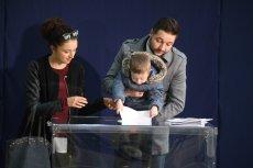 Patryk Jaki z rodziną głosował w warszawskim Aninie.