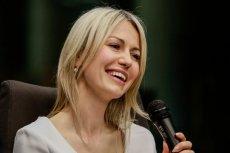 Magdalena Ogórek dzielnie broni prezydenta.