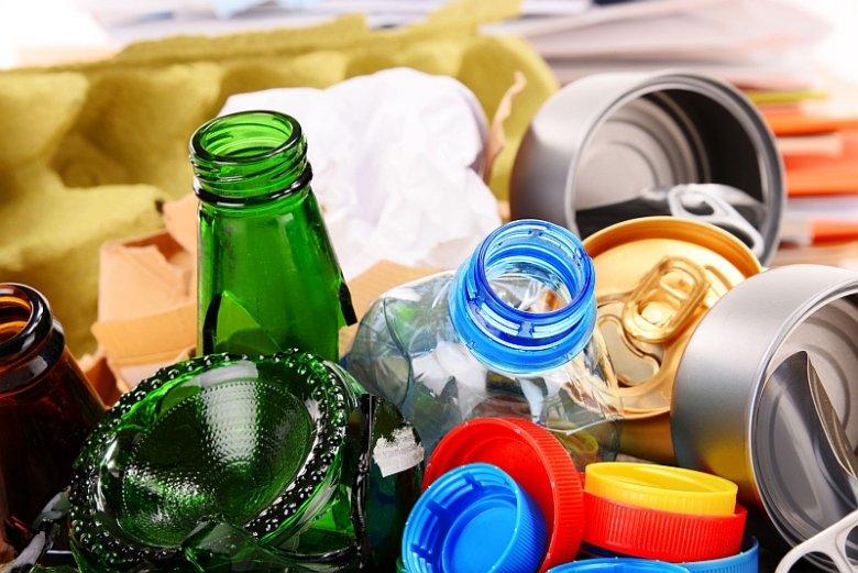 Nie można troszczyć się o ochronę środowiska naturalnego bez dbałości o segregację śmieci tak, aby ułatwić recykling, czyli ponowne przetwarzanie odpadów