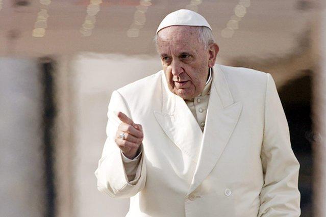 – Jeśli obrazisz moją matkę, spodziewaj się ciosu – powiedział papież.