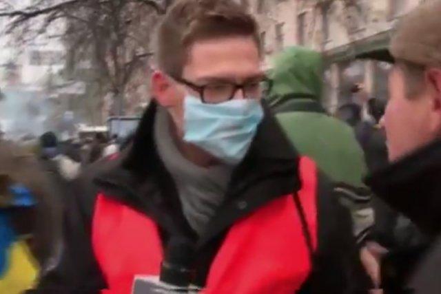 Internauci znowu śmieją się z materiału Bartłomieja Maślankiewicza z TV Republika. Niesłusznie.
