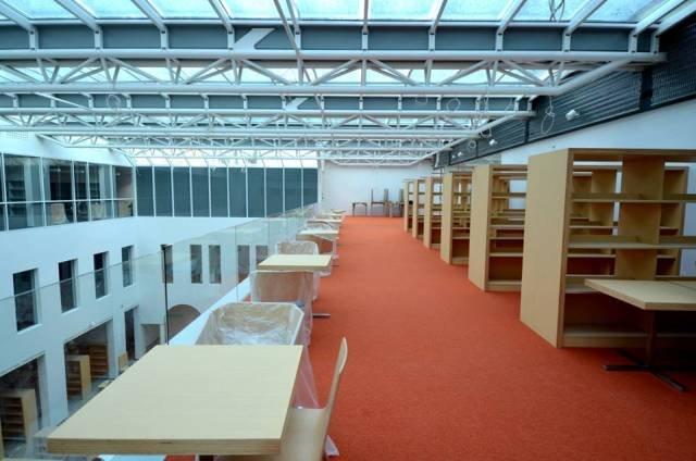 Biblioteka Publiczna w Warszawie podczas remontu, Warszawa