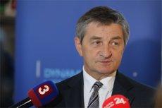 Twarzą utrudnień wprowadzanych przez PiS w związku z pracą dziennikarzy był marszałek Marek Kuchciński.
