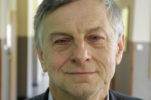 Andrzej Zybertowicz przekonuje, że minister Macierewicz słusznie zrobił w pośpiechu opuszczając miejsce wypadku.