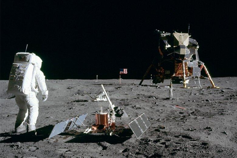 50 lat temu człowiek stanął na Księżycu.