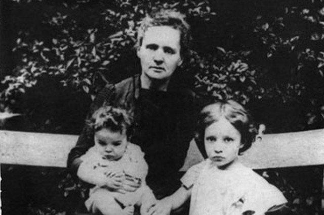 Maria z córkami.