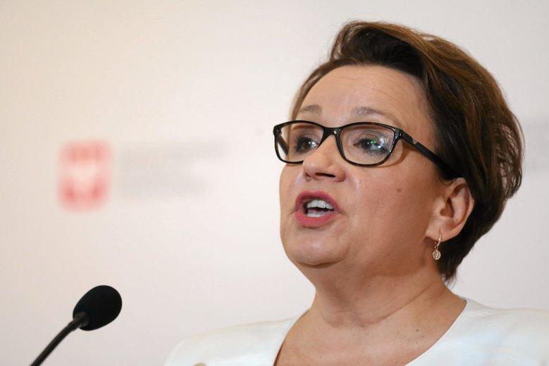 Nauczyciele zmieniają okręgi wyborcze,  żeby zagłosować w wyborach do Parlamentu Europejskiego na kontrkandydata Anny Zalewskiej.