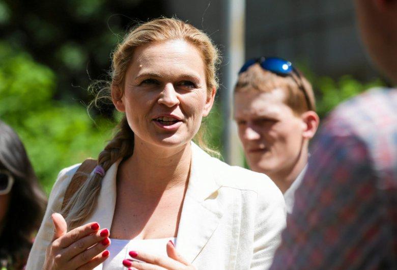 Wydawało się, że polską lewicę nie czeka nic dobrego w tych wyborach. Wszystko zmieniła Barbara Nowacka, która budzi sympatię wyborców.