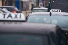 """""""Polak taksówkarz"""" - taka adnotacja miała znajdować się przy zamówieniach taksówek dla gości Telewizji Polskiej: Andrzeja Zybertowicza i Tomasza Terlikowskiego - informuje """"Press""""."""