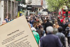Mieszkańcy Norwich dostali ogłoszenie, że w Wielkiej Brytanii powinni mówić tylko po angielsku.