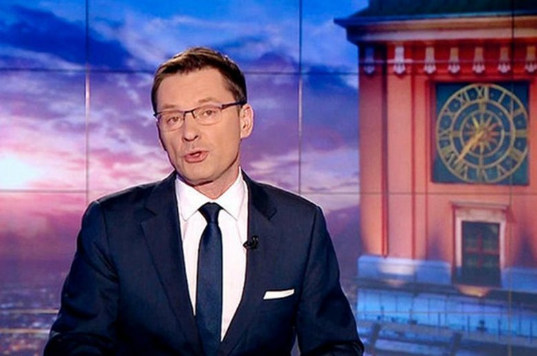 """""""Wiadomości"""" TVP o hipokryzji polityków PO i przyznawaniu sobie nagród."""