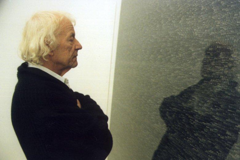 Obrazy Romana Opałki miały coraz jaśniejsze tło, przez co zapisywane przez niego liczby stawały się coraz mniej widoczne.