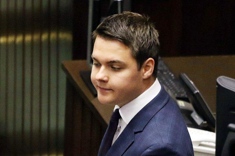 Łukasz Rzepecki chyba nie musi obawiać się o dalszą karierę polityczną. Miał dostać ciekawą ofertę od trzeciej największej partii w Sejmie.