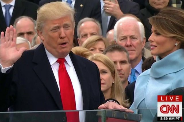 Melania Trump godnie reprezentuje męża na politycznych salonach, ale sama podkreśla, że zna swoje miejsce w tym małżenstwie