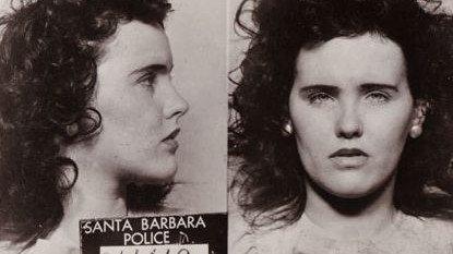 Policyjne zdjęcia Elizabeth Short z 1943 roku. Dzięki niemu szybko udało się ustalić tożsamość ofiary. Short była zatrzymana za picie alkoholu w miejscu publicznym, nie miała jeszcze 21 lat