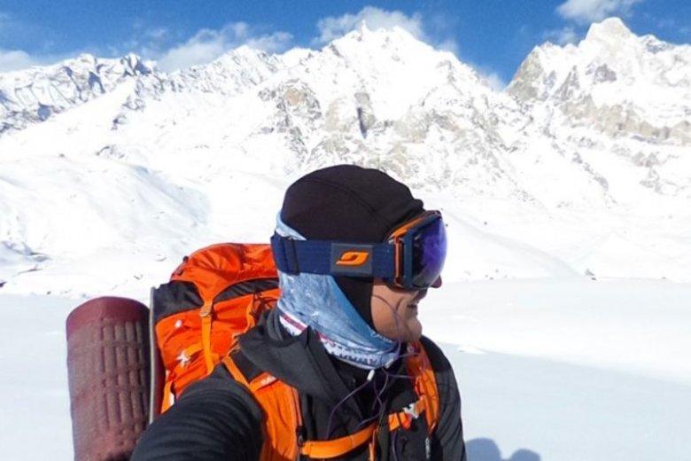 Adam Bielecki oraz reszta Polaków na K2 muszą czekać na okno pogodowe.