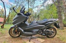 Yamaha T-Max to skuter, który niejednego może zaskoczyć.