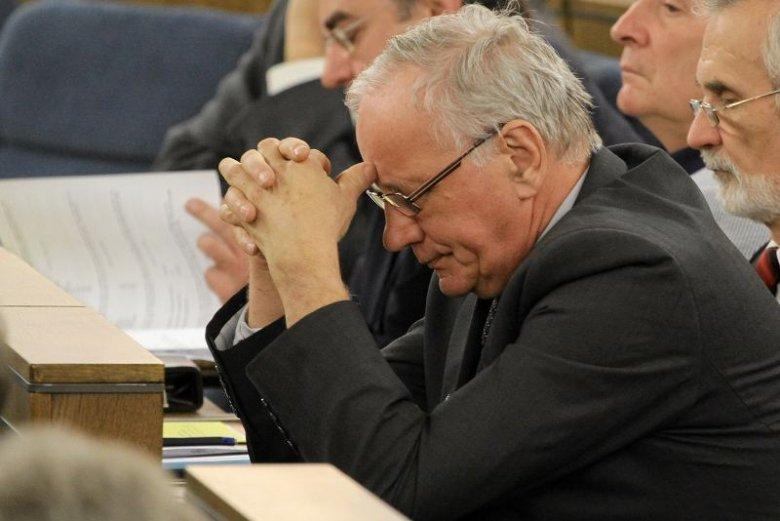 Jan Rulewski odszedł z senackiej komisji rodziny i polityki społecznej