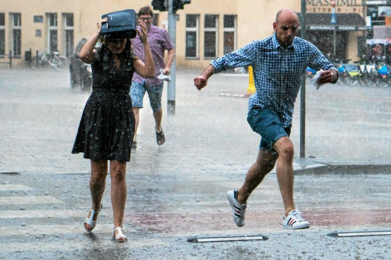 Intensywne opady deszczu spodziewane są w całej Polsce.