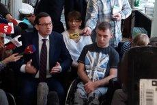 Mateusz Morawiecki był w defensywie podczas spotkania z niepełnosprawnymi i ich rodzinami.