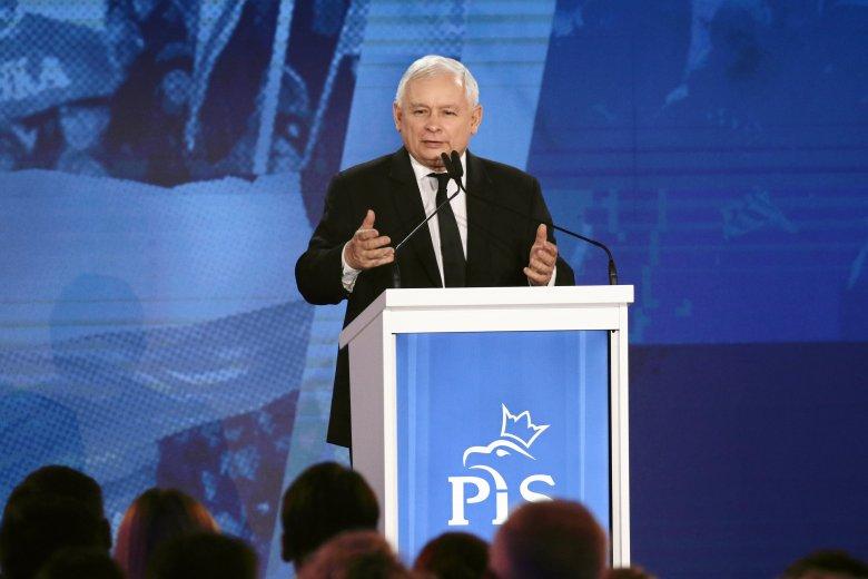 """Jarosław Kaczyński powiedział, że zmiany planowane przez PiS są przeznaczone """"dla uczciwej części Polaków""""."""