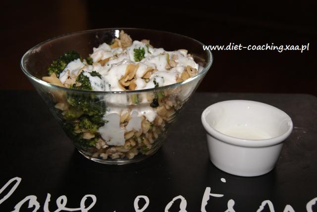 Makaron z brokułami w sosie czosnkowym