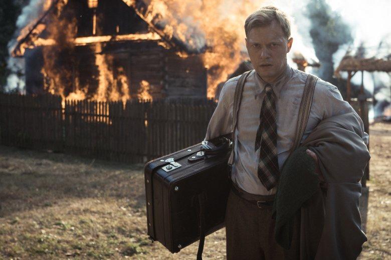 W tytułową postać Jana Nowaka-Jeziorańskiego wcielił się obiecujący aktor młodego pokolenia Philippe Tłokiński