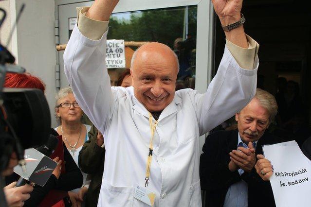 Prof. Bogdan Chazan, poprzedni dyrektor szpitala im. Świętej Rodziny w Warszawie .
