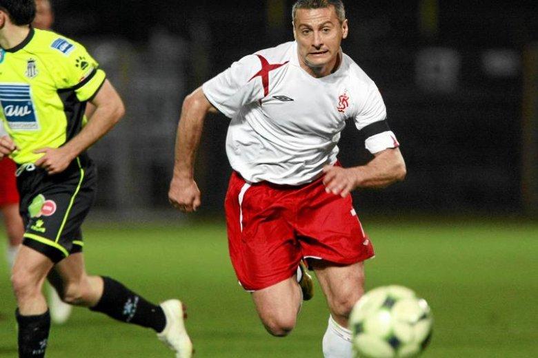 Piotr Świerczewski jako piłkarz błyszczał nie tylko na boisku, ale i przed kamerami.