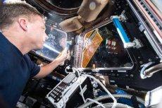NASA wybrała 18 najciekawszych fotografii wykonanych na Międzynarodowej Stacji Kosmicznej, którą ludzie zamieszkują już od 15 lat.