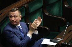 """Poseł PO Krzysztof Brejza nie ustaje w swoim działaniach, aby odsłonić, jak """"dobra zmiana"""" nagradza swoich pracowników."""