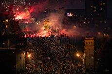 Największy Marsz Niepodległości co roku organizowany jest w Warszawie