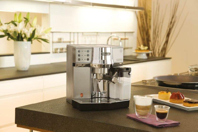 Dziś nie trzeba pić tylko jednego rodzaju kawy jak Voltaire. Nowoczesne ekspresy Delonghi pomogą zaspokoić każdy kawowy gust.