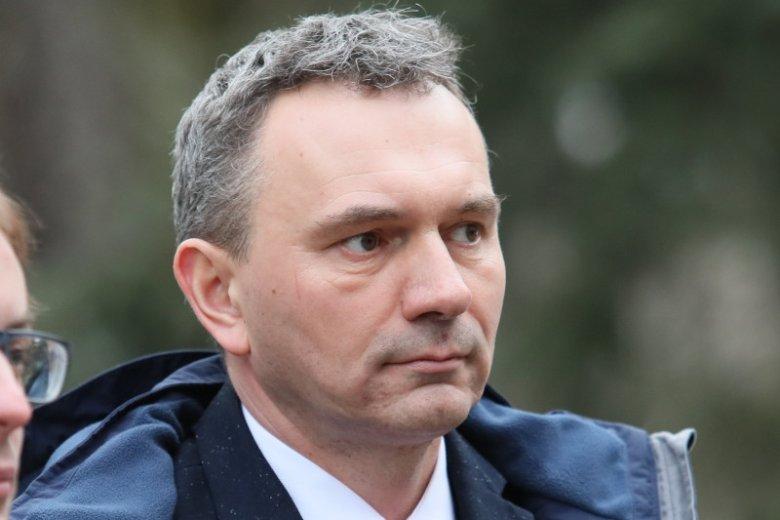 Dyrektor szpitala MSWiA, w którym leczono ojca premiera, stracił pracę.