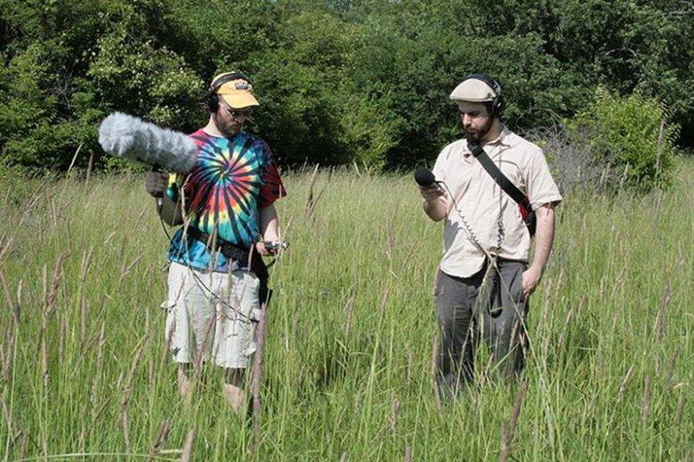 Field recording to nagrywanie odgłosów otaczającego świata. Jest popularne zarówno wśród ekologów, jak i awangardowych muzyków