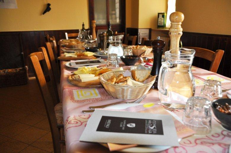 Ukryta osteria w środku Apeninów prowadzona przez małżeństwo Sycylijczyków, serwujących skarby kuchni Sycylii