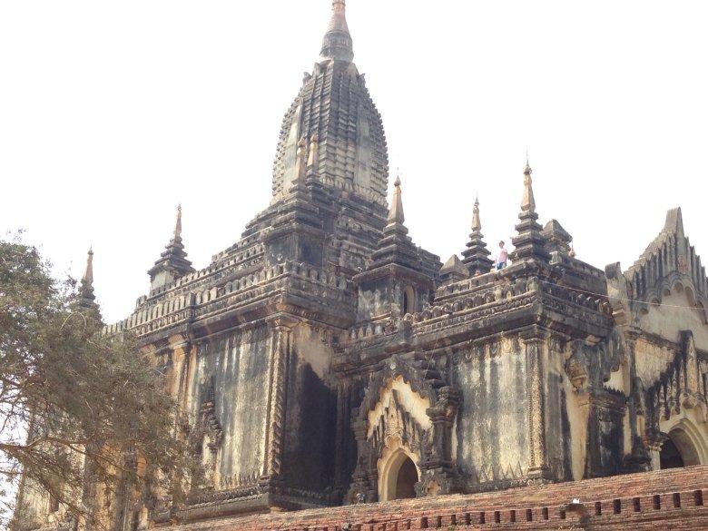 Shwe- san-daw Phaya/ Bagan- Birma
