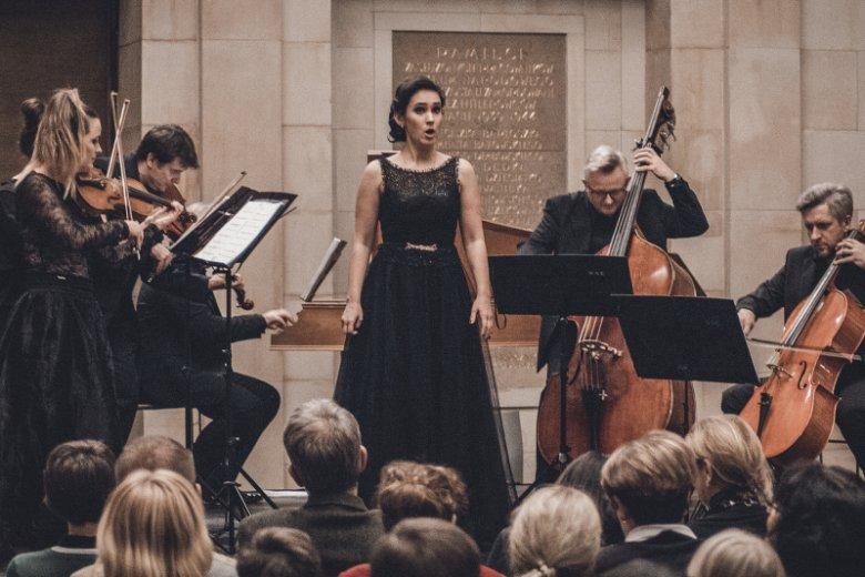 Grupa Operowa Lakme Art,  nie znaleźli  miejsca w Operze Narodowej, ale możecie ich posłuchać  ich  na darmowych koncertach.