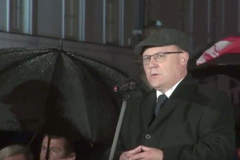 Wojewoda Mazowiecki Zdzisław Sipiera (na zdjęciu) zdekomunizował ulicę byłego prezydenta Warszawy, Stanisław Tołwińskiego, który był odznaczony tytułem Sprawiedliwy Wśród Narodów Świata.