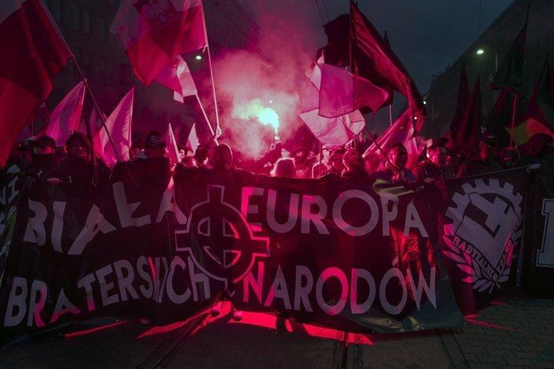 Jedno z haseł z Marszu Niepodległości z 11 listopada 2017 r.